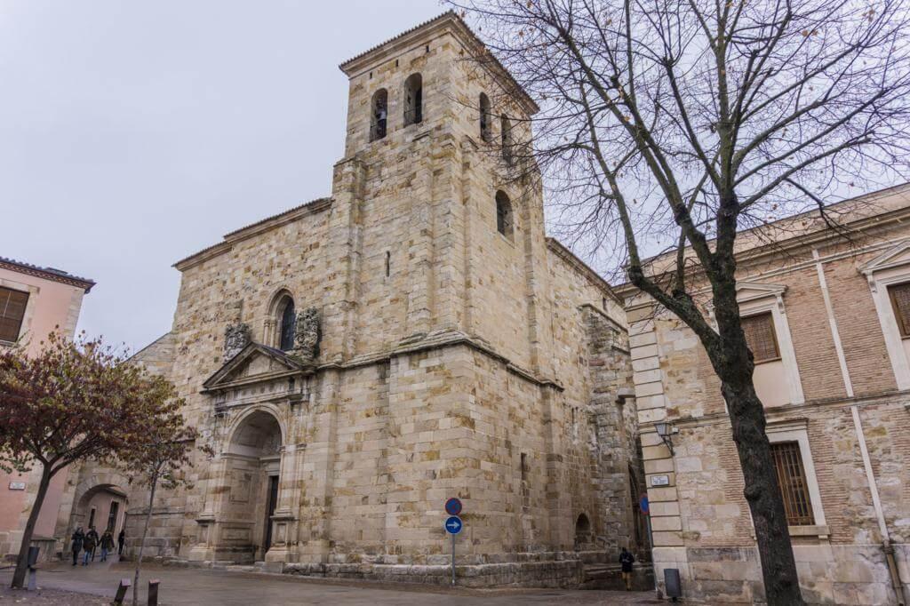 Iglesia de San Pedro y San Idelfonso.