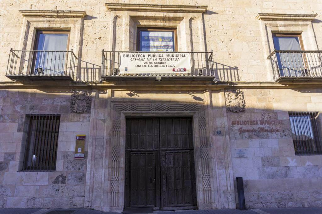 Palacio del Marqués de Falces.