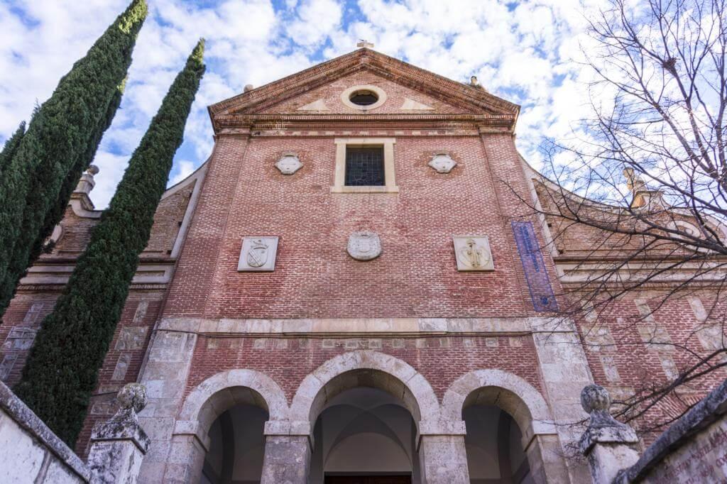 ¿Qué ver en Alcalá de Henares en un día? Colegio Convento de Trinitarios Descalzos.