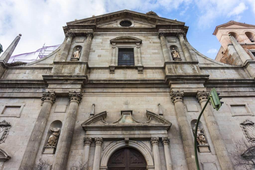 ¿Qué ver en Alcalá de Henares en un día? Colegio Máximo e Iglesia de la Compañía de Jesús.