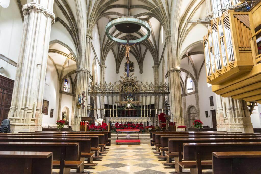 Interior de la Catedral de Alcalá de Henares.