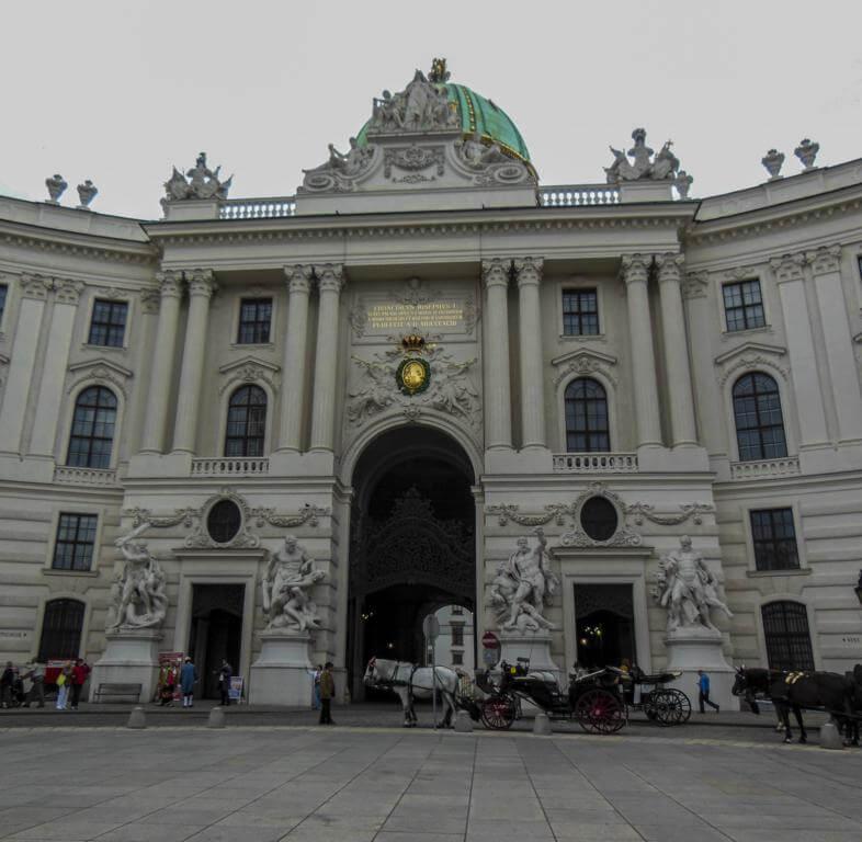 ¿Qué ver en Viena en 2 días? Palacio Imperial de Hofburg.