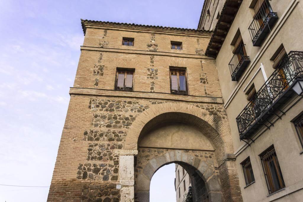 Puerta de Alarcones.