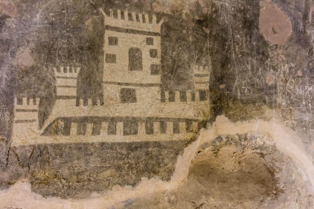 Dibujos de los presos en el Castillo de Villena.