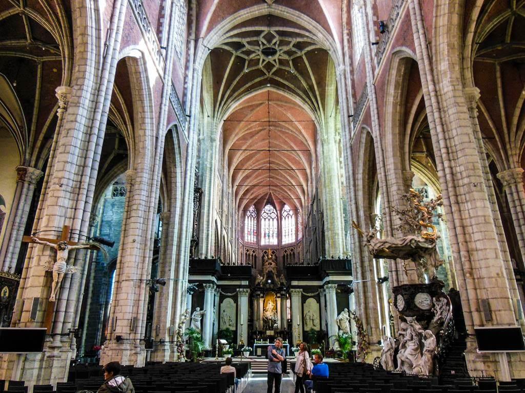 Interior de la Catedral de San Bavón.