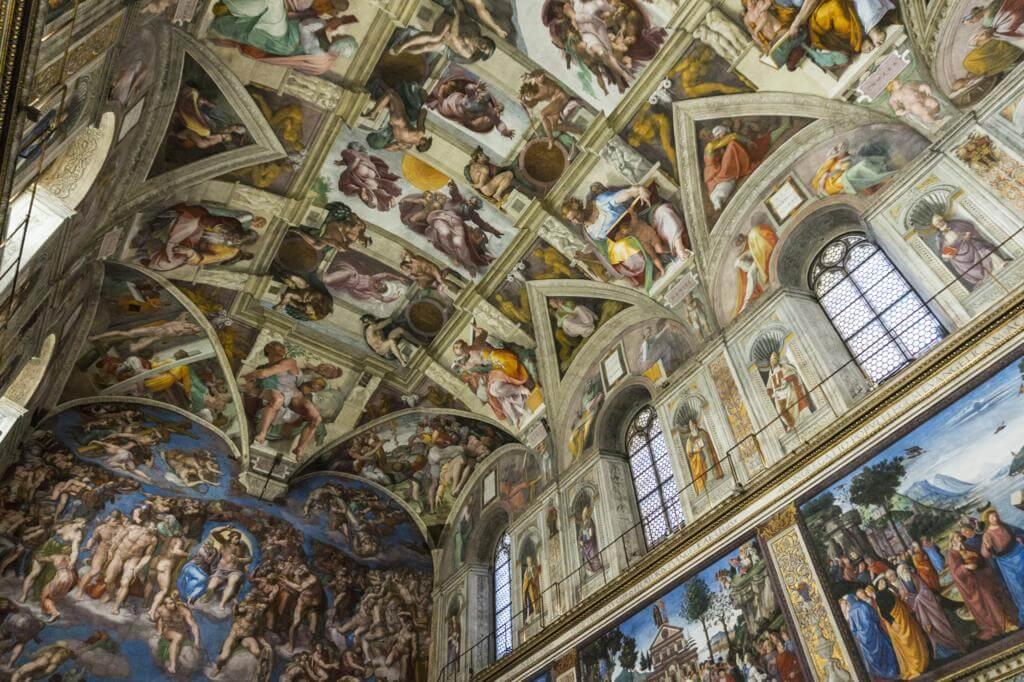 Museos Vaticanos: Bóveda de la Capilla Sixtina.
