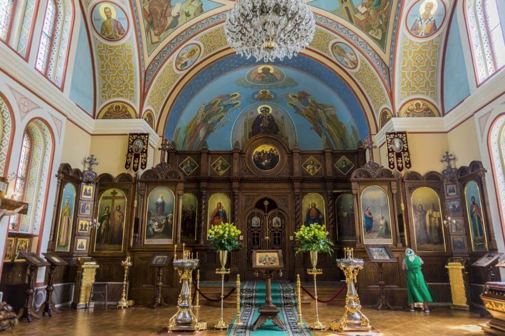 ¿Qué ver en Karlovy Vary? Iglesia Ortodoxa de Pedro y Pablo.