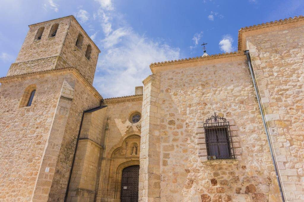 Colegiata de San Bartolomé.