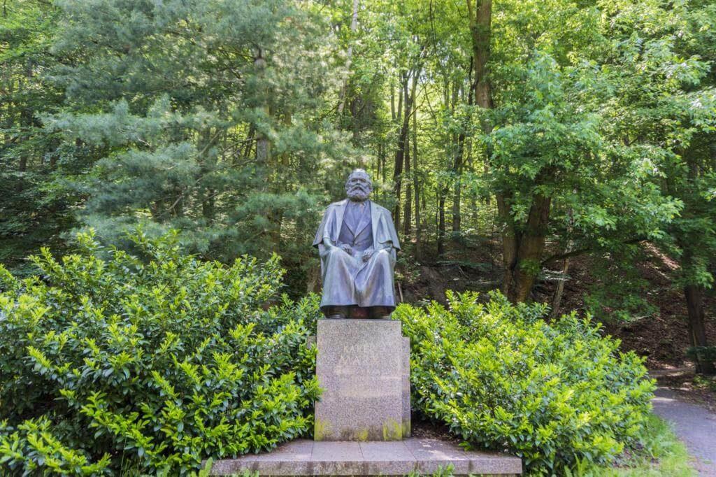 Escultura de Karl Marx en Karlovy Vary.