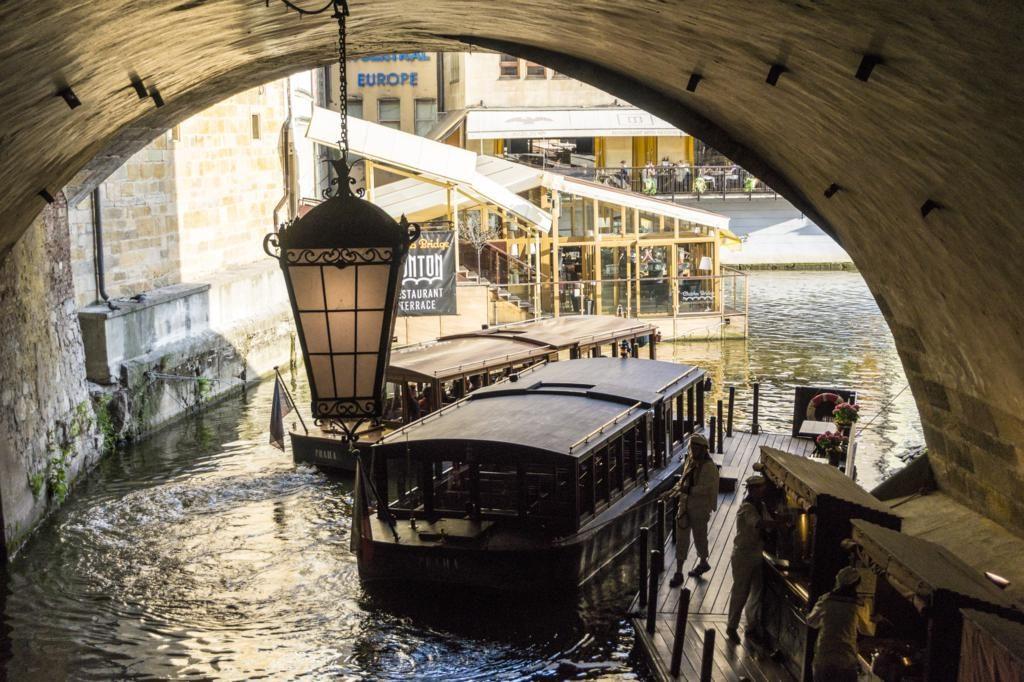 Crucero en Barco por Praga.