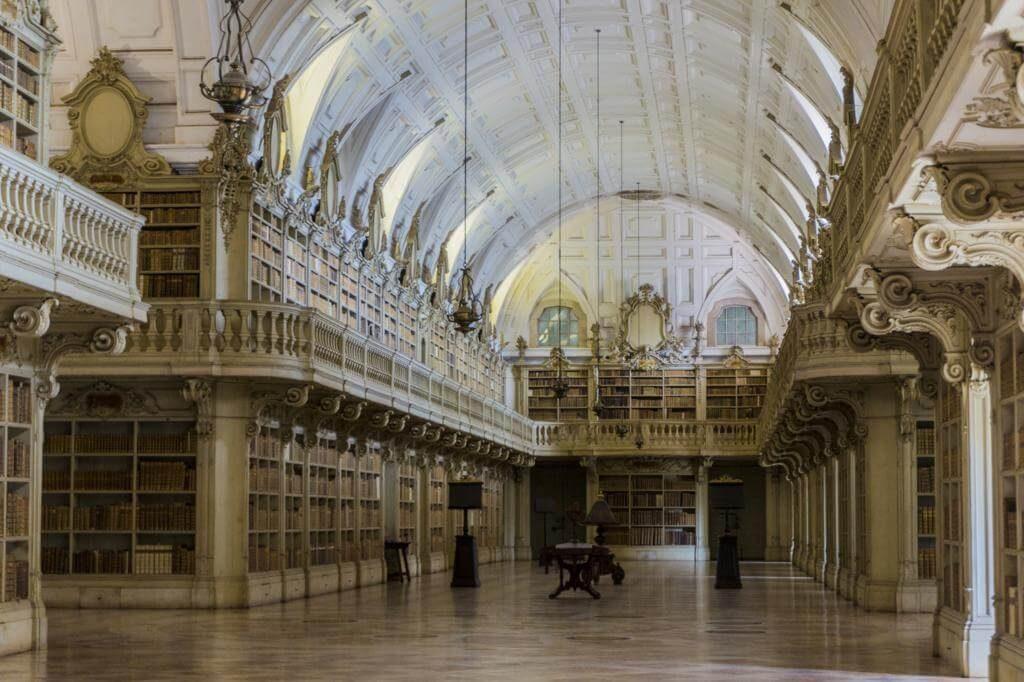 Biblioteca del Palacio Nacional de Mafra.