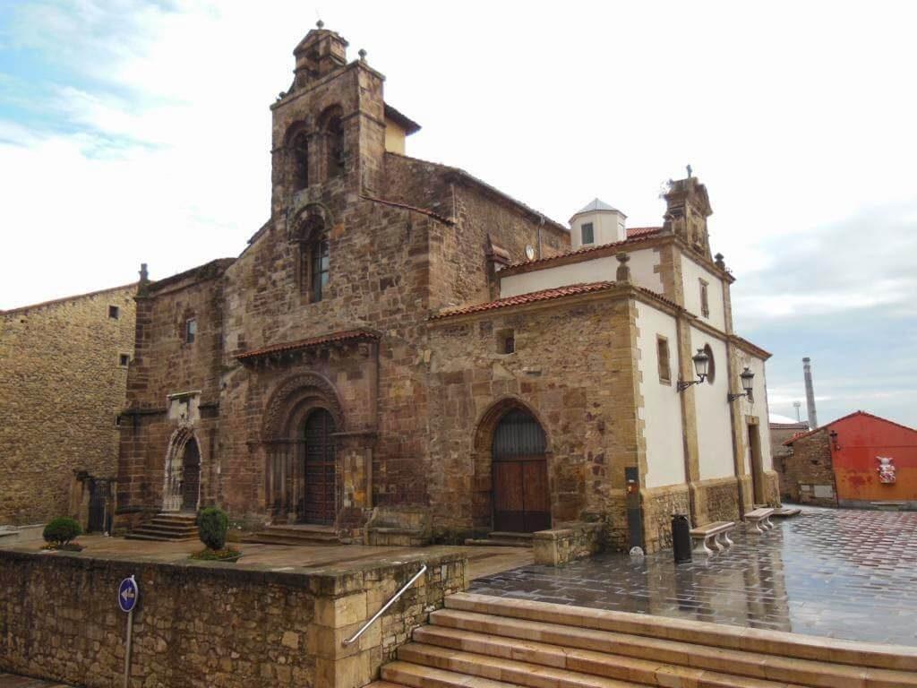 Iglesia de los Padres Franciscanos en Avilés