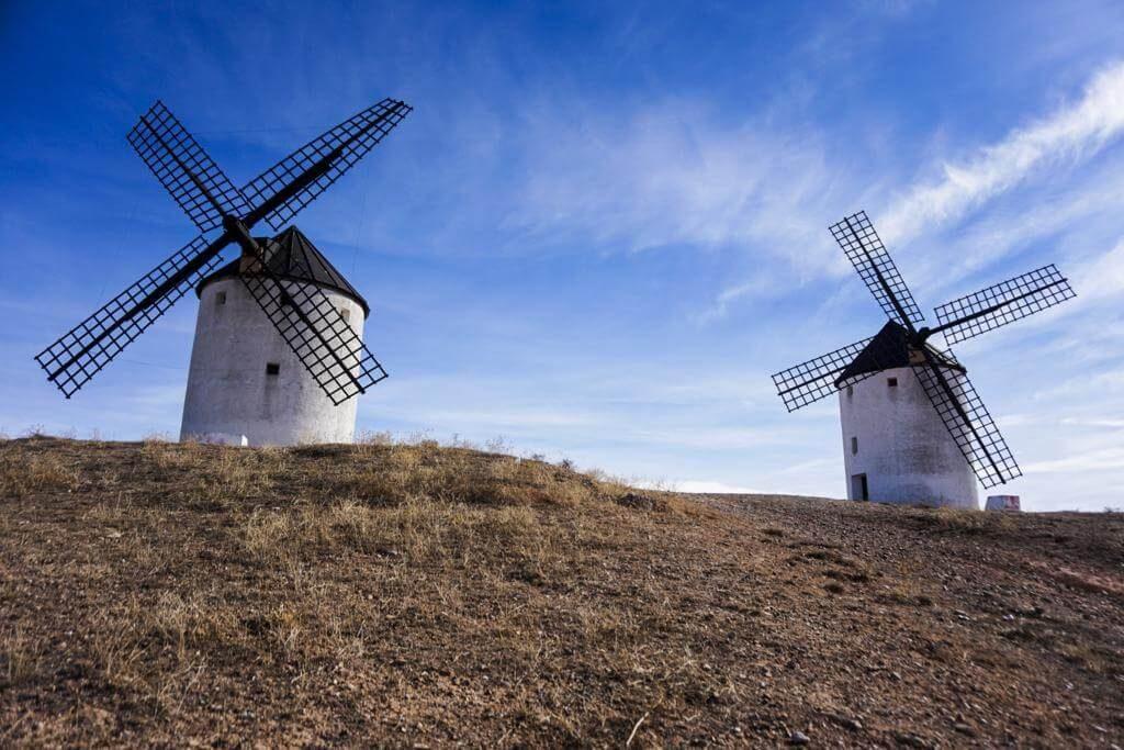¿Qué ver en Tembleque? Los molinos de viento.