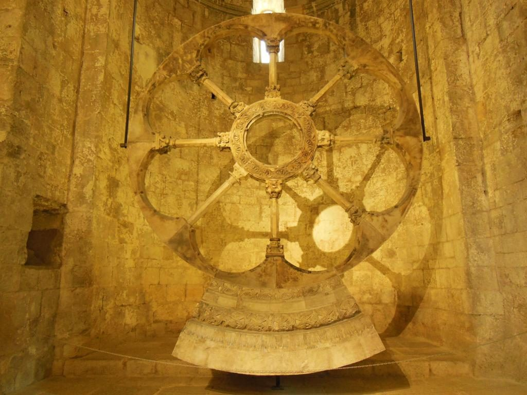 Rosetón románico del Monasterio de Sant Pere de Galligants.