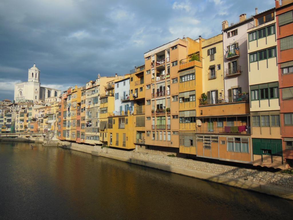 Girona desde el Puente de Hierro.