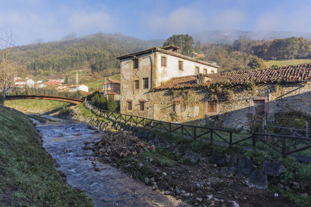 Río a su paso por Salas (Asturias).