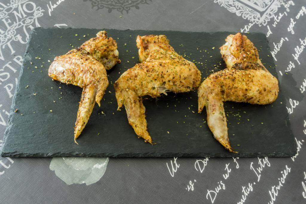 Alitas de pollo en freidora sin aceite.