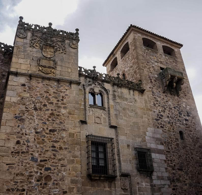Palacio de los Golfines de Abajo.