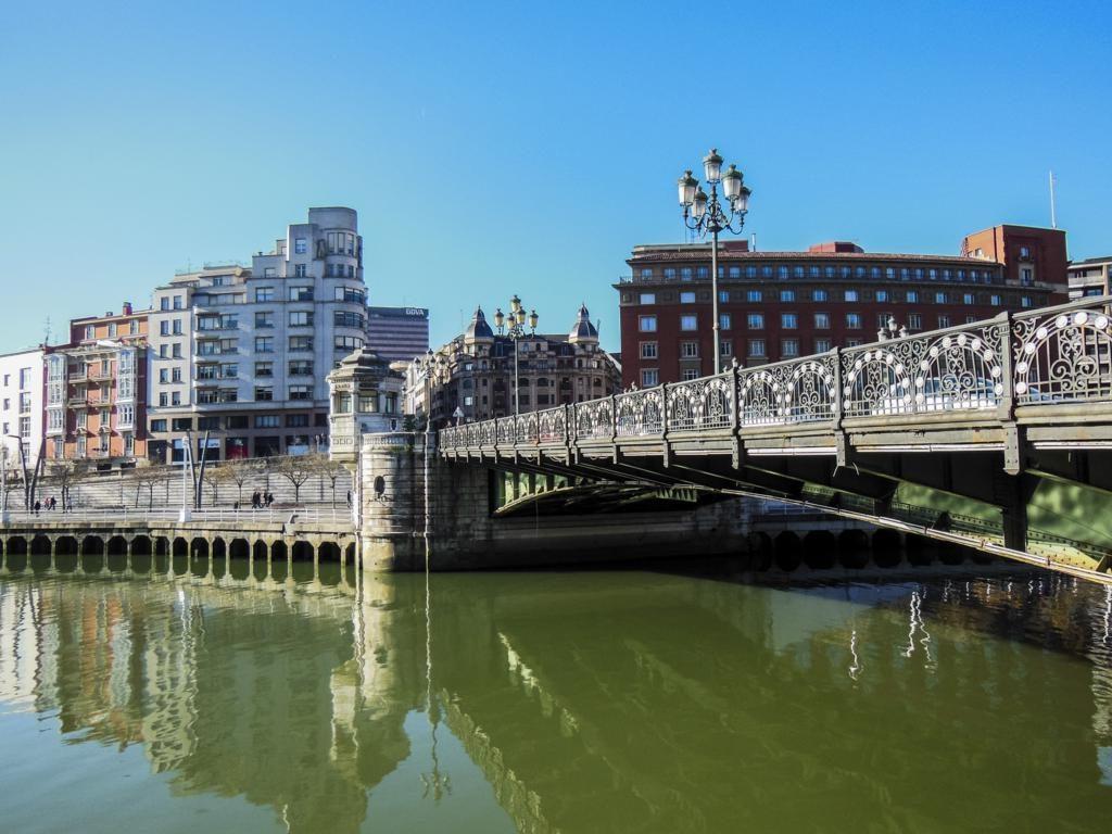 ¿Qué ver en Bilbao en dos días? Puente del Arenal.