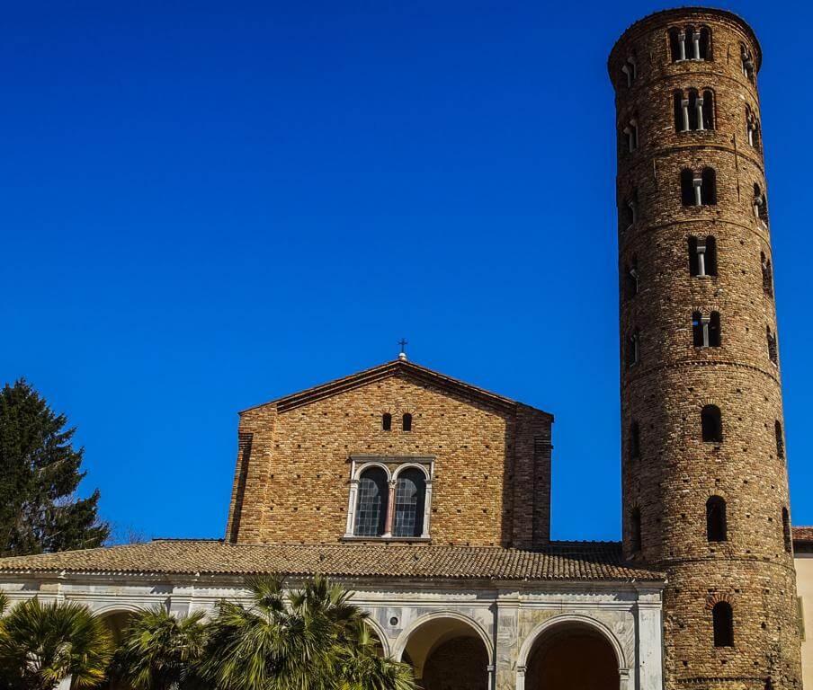 Basílica de San Apolinar Nuevo en Rávena.