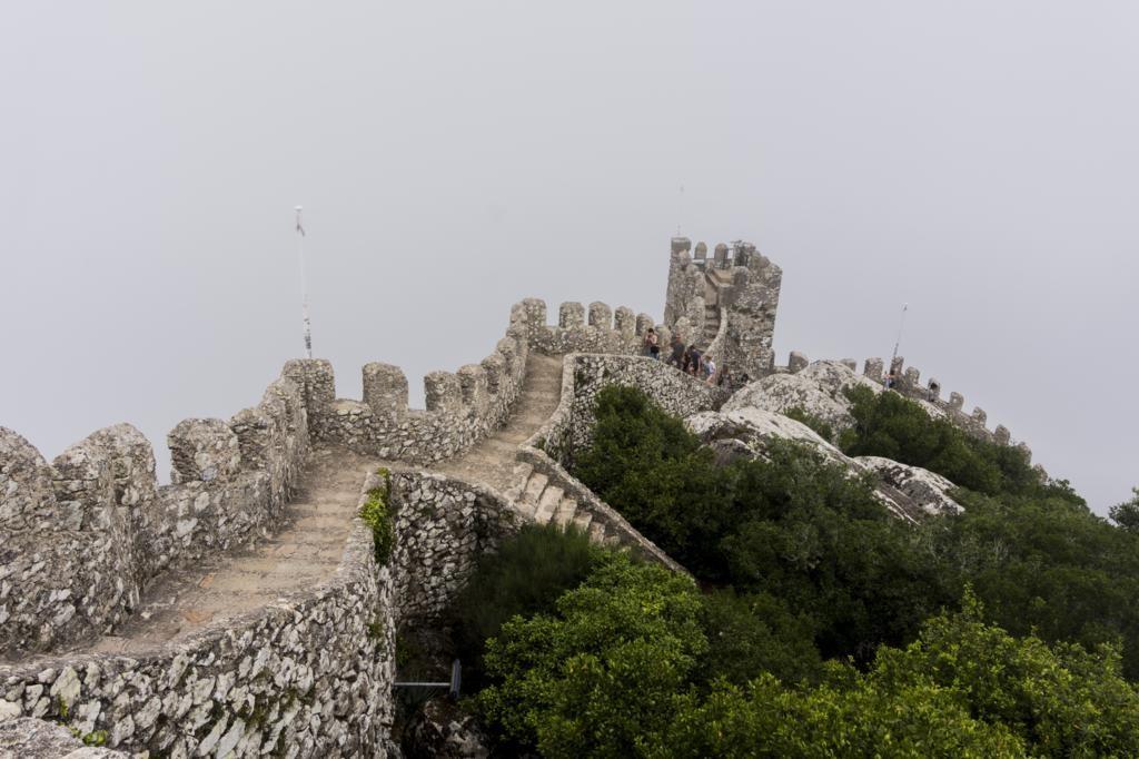 ¿Cómo ir del Palacio da Pena al Castelo dos Mouros?