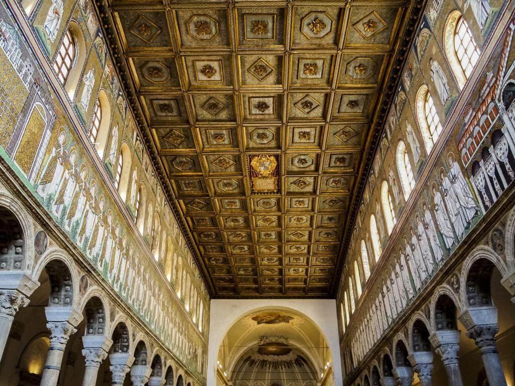 ¿Qué ver en Rávena en 1 día? Basilica di Sant'Apollinare Nuovo.