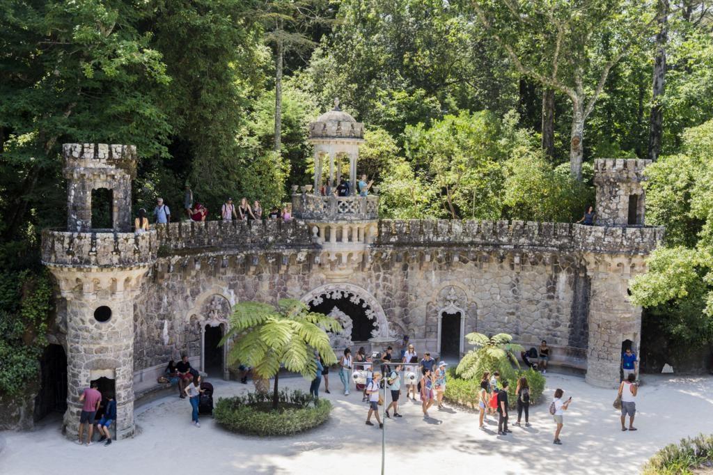 ¿Cómo ir del Castelo dos Mouros a la Quinta da Regaleira?