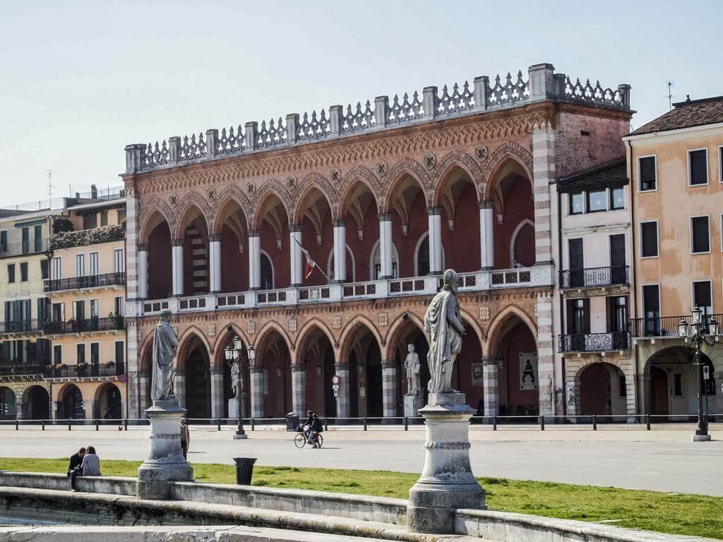 ¿Qué ver en Padua en 1 día? Prato della Valle.