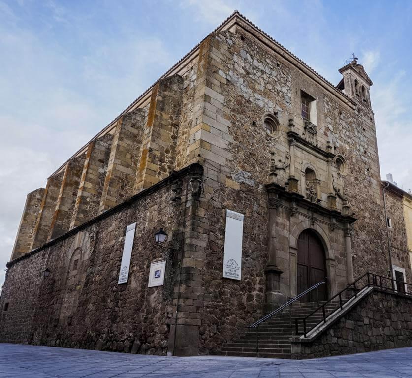 ¿Qué ver en Plasencia en 1 día? Iglesia de Santa Ana.