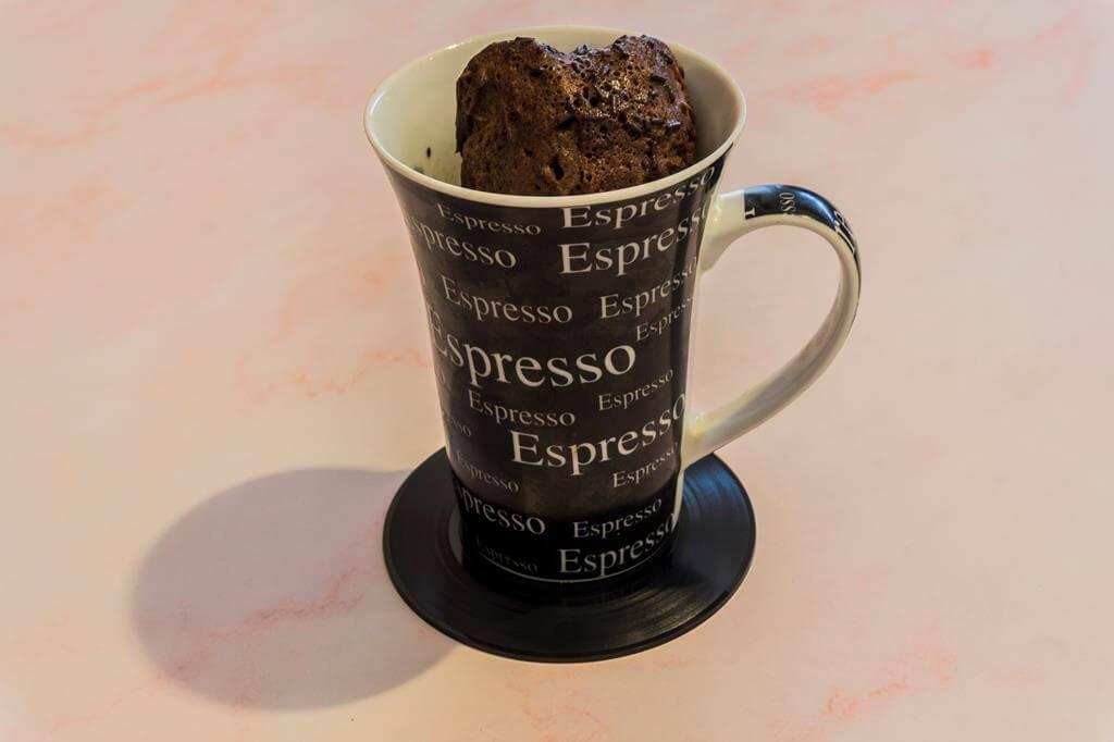 Desayuno: Bizcocho de cacao en microondas.