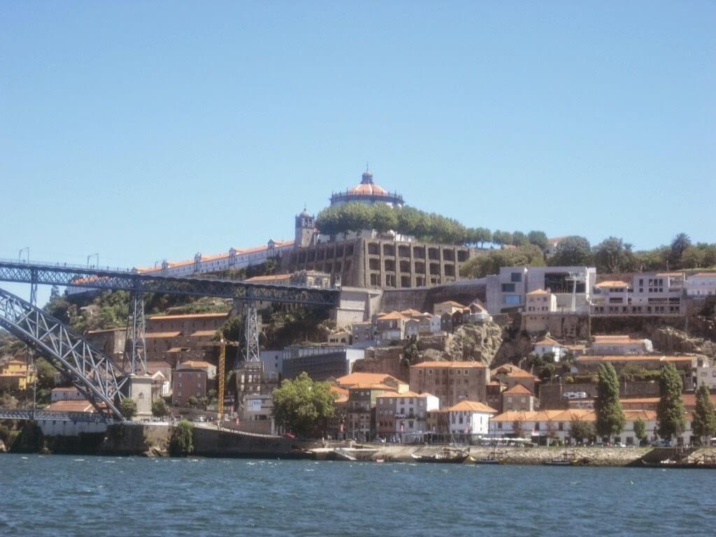 Hermosas vistas de la otra orilla del río Duero