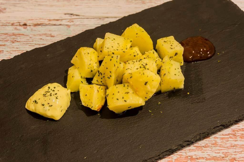 Las patatas aliñadas entre las mejores recetas de cocina para microondas.