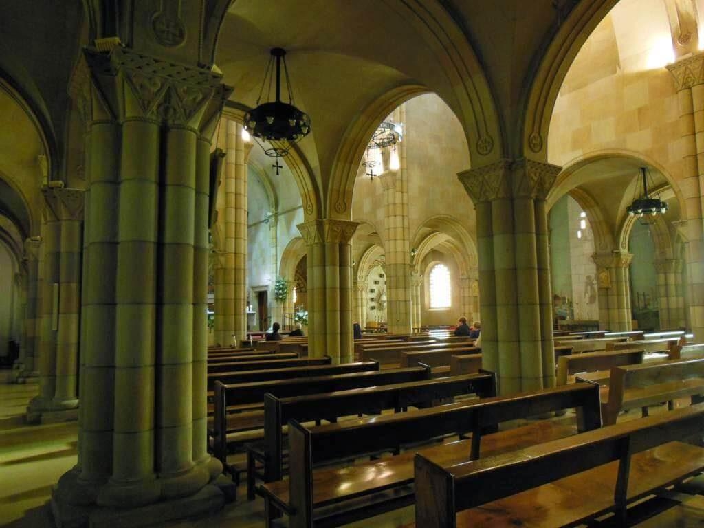Columnas de San Pedro en Gijón.