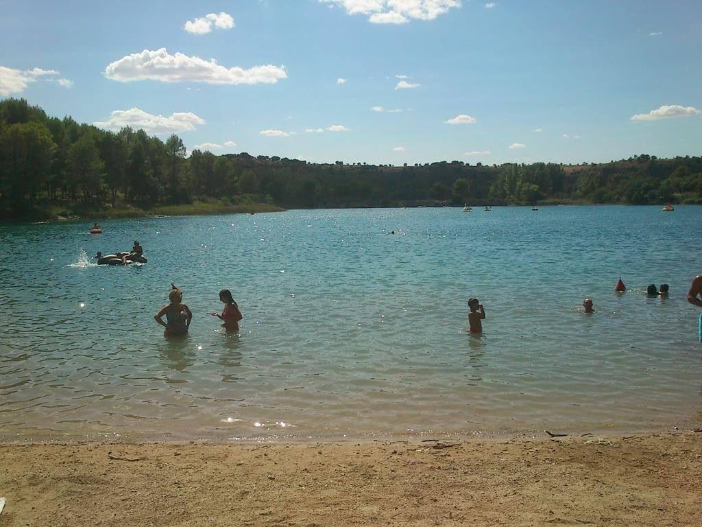 El parque natural es un entorno donde disfrutar un día en familia con los niños.
