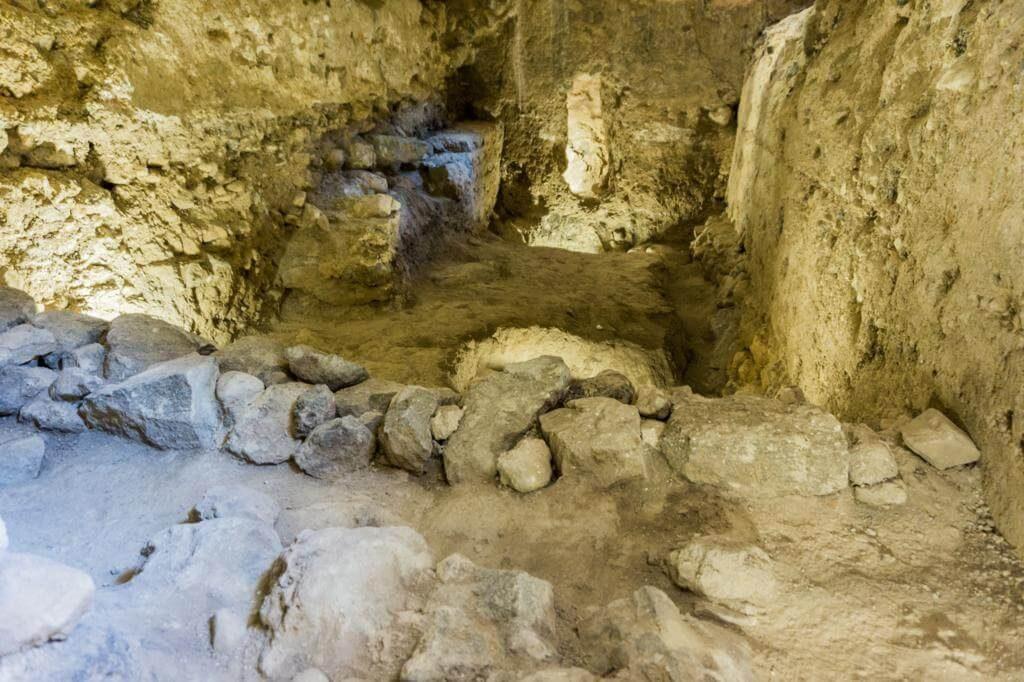 Subterráneos del fortín.