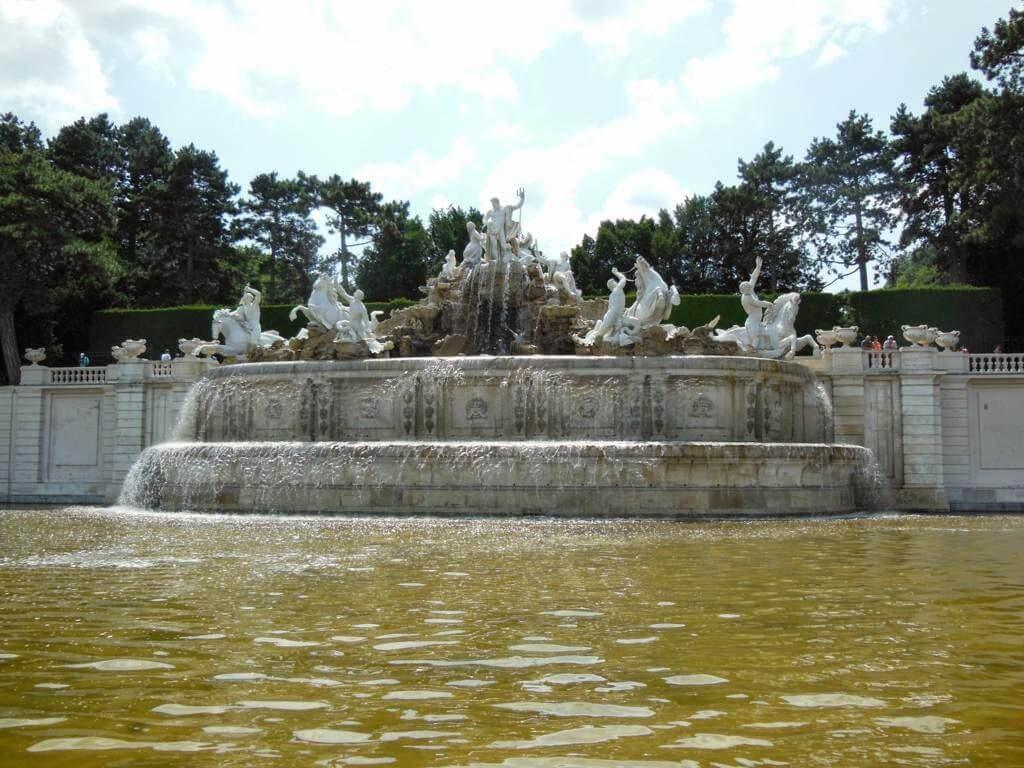 Fuente de Neptuno en el Palacio Schonbrunn