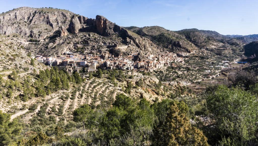 Pequeño mirador en la ruta de senderismo en Ayna