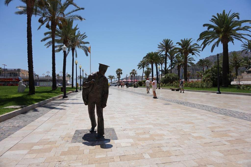 ¿Qué ver en Cartagena en un día? Monumento al Marinero de reemplazo