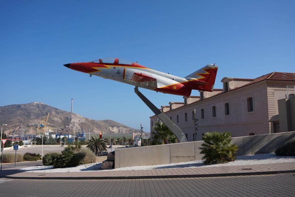 ¿Qué ver en Cartagena en un día? Avión C101